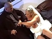 Blonde pregnant bride sucks cock